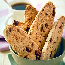 Weight watchers chocolate chip biscotti- looks pretty tasty and simple to make!