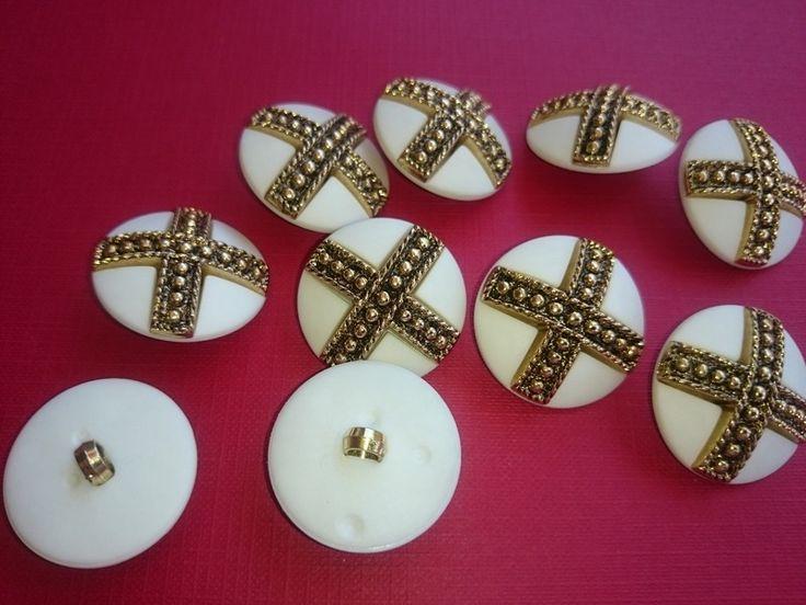 Botón+en+blanco+con+cruz+dorada.+28+mm.+de+Mercería+BOTÓN+DE+GALA+por+DaWanda.com