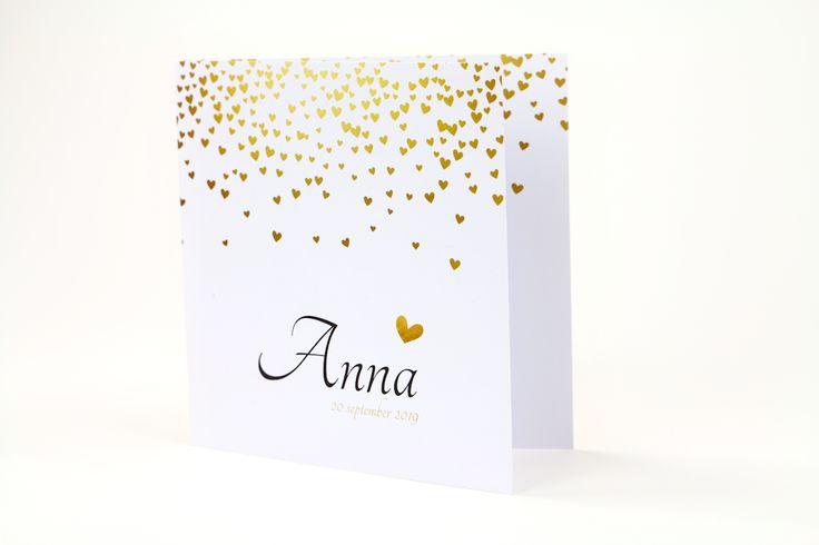 Hartjes en goud zijn de perfecte combinatie op dit lieve geboortekaartje! #geboortekaartjes #hart #meisje #hip #kaartje