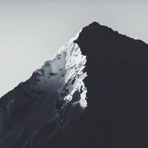 Licht und Schatten. Bild: @philippsalzborn Nikon D750 80-200 mm | 200mm f/6.3 1/200 s ISO 400 #nikonswitzerland via Nikon on Instagram - #photographer #photography #photo #instapic #instagram #photofreak #photolover #nikon #canon #leica #hasselblad #polaroid #shutterbug #camera #dslr #visualarts #inspiration #artistic #creative #creativity