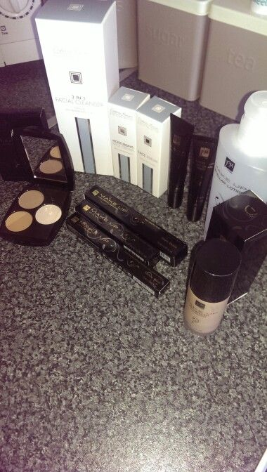 I dont have love my fm cosmetics raffle prizes - love winning! Hehe amazing!!! #fm #cosmetics #makeup #love #addicted