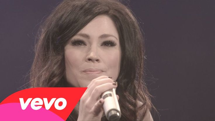 Kari Jobe - I Am Not Alone (Live)  So Love this Song Sung by this Earth Angel...Kari Jobe. ~Kim NB~*+ <3