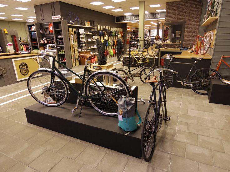 https://flic.kr/p/QwwsNr | Vintage bicycle parts and bike's | Vintage fietsen in winkel Bij Folkert. www.bijfolkert.nl