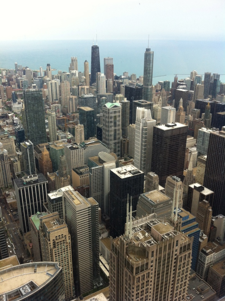 A tiny part of Chicago's skyline @WillisTower