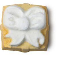 Lush Golden Wonder Bath Bomb   https://uk.lush.com/products/bath-bombs/golden-wonder
