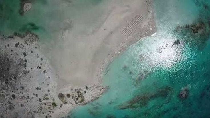 [ΤΑΞΙΔΙ | LIFE STYLE] - Πρόκειται για ένα μικρό νησάκι με λευκή άμμο, που το χωρίζει από τη στεριά μια λιμνοθάλασσα με...