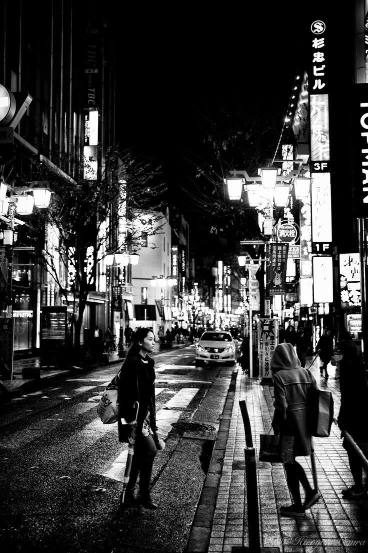 冷たい街 (Cold Street) by Hiroyuki Ogura. 詳しくは投稿をご覧ください。