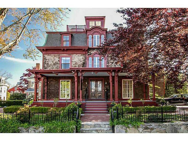 Victorian home located at 130 Touro St in Newport, RI 02840