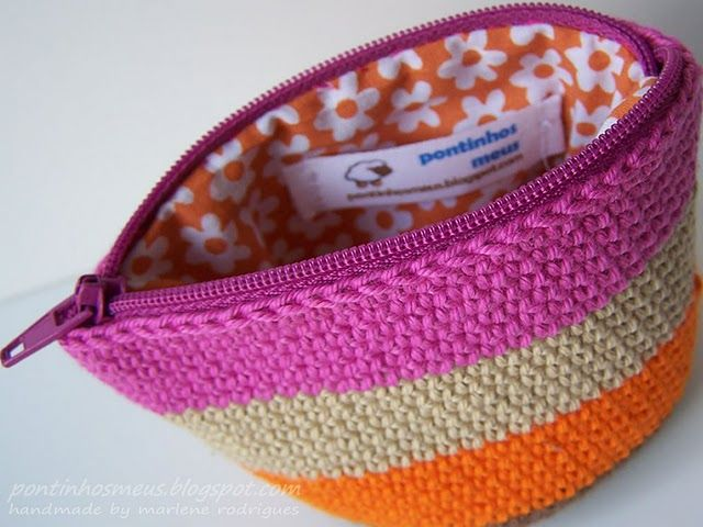 Crocheted zipper pouch