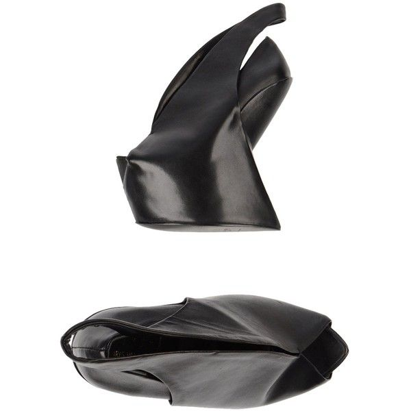 Iris Van Herpen X United Nude  Pump (£405) ❤ liked on Polyvore featuring shoes, pumps, black, wedge pumps, wedge heel pumps, genuine leather shoes, leather pumps and leather wedge pump