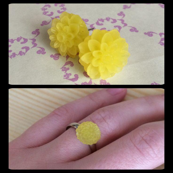 Sada náušek 1,5 cm a prstýnku 1 cm, žlutá