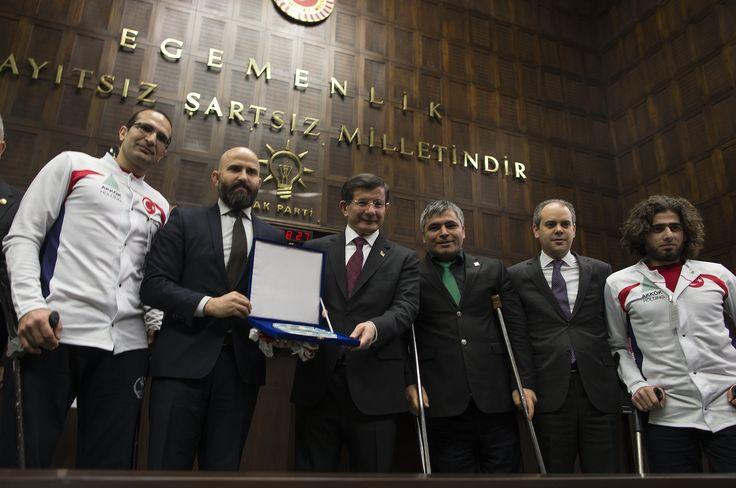 Yalova Ortopedikler Spor Kulübü takım oyuncuları Başbakanımızı grup toplantısında ziyarete geldi.