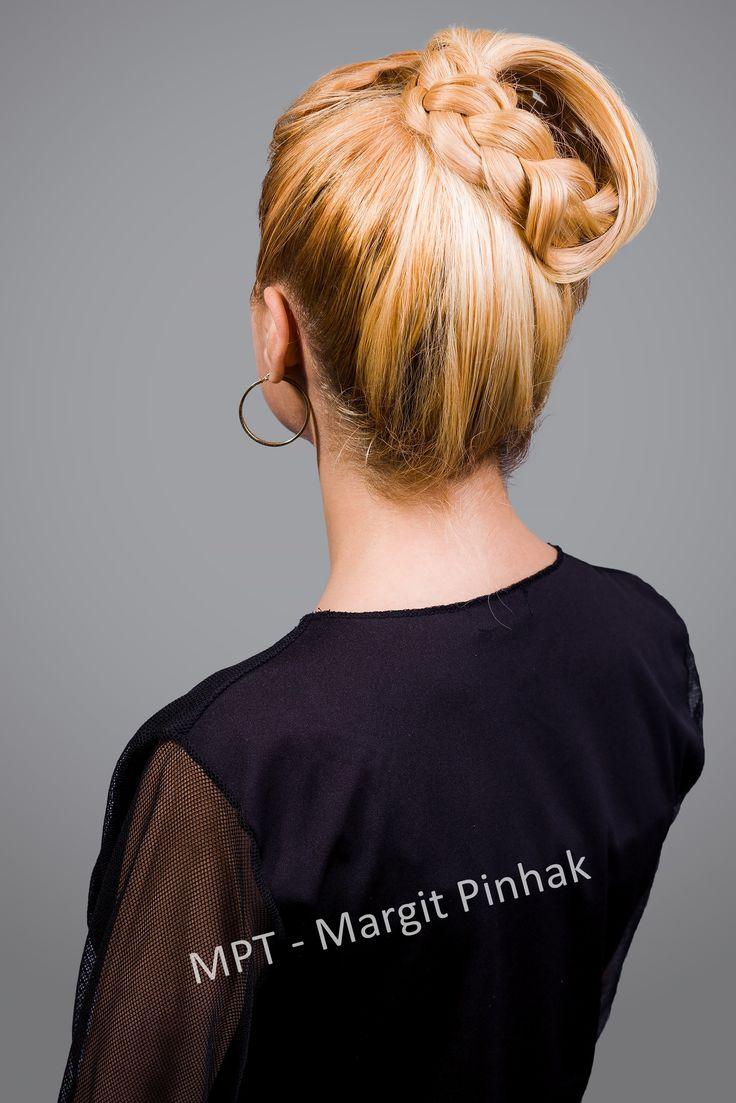 #hochsteckfrisuren #flechfrisuren #longhair #oktoberfestfrisur #volksfestfrisur #summerhairstyle #hairup