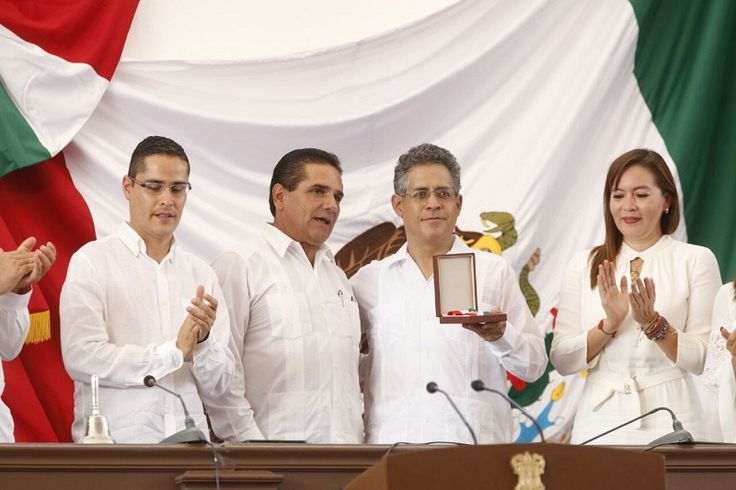 En sesión solemne del Congreso del Estado, por el CCIII Aniversario de la firma del Decreto Constitucional para la Libertad de la América Mexicana, el director del Colegio de Michoacán, ...