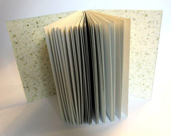 Petit livre vierge Collection Copte Reliure à par Boutique2C https://www.etsy.com/fr/listing/236458657/petit-livre-vierge-collection-copte?ref=shop_home_active_9