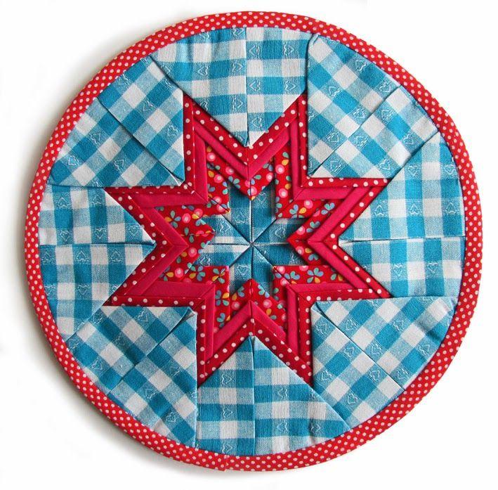 handwerkjuffie, handwerken, stof, fabric, Stoffe, nahen, sewing, needlework,naaien, naaimachine,sewing machine, folded star, star, ster, stern, estrella, kerst, christmas, xmas, weihnachten, navidad, quilt, patchwork, stof vouwen, fabric, stephanie haytink, tutorial, uitleg, werkbeschrijving, patroon, gratis, free, handicrafts, handicrafts missy, needlecraft missy, handicapt, craft, fabric, basteln, kerst, kerstster, ster,