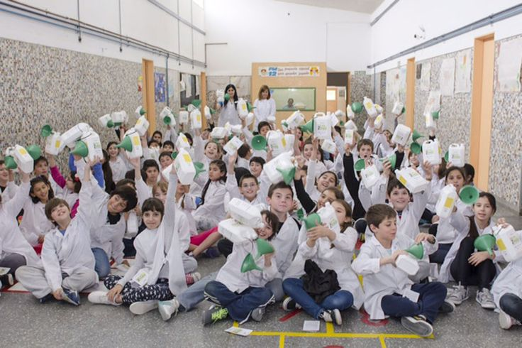 El Programa Pymes PAE promueve el cuidado del medio ambiente y a los Emprendedores http://www.ambitosur.com.ar/el-programa-pymes-pae-promueve-el-cuidado-del-medio-ambiente-y-a-los-emprendedores/ En el marco de las acciones que desarrolla el Programa Pymes PAE para promover el desarrollo de jóvenes emprendedores locales presentó recientemente, junto a Ecoil Safety y con el apoyo del Gobierno de la provincia del Chubut y los Municipios de Comodoro Rivadavia y Rada Tilly, el p