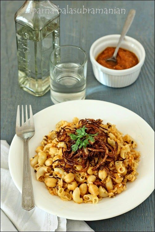 My Diverse Kitchen: Vicky Goes Veg : A Review, A Giveaway & Some Koshari (Egyptian Rice-Pasta-Lentil Pilaf)