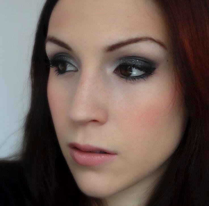 maquillage ciel étoilé http://www.youtube.com/user/cynthiadulude