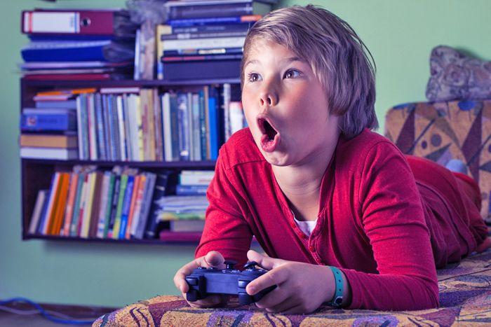 Dat je kind stoer gedrag gaat vertonen op een bepaalde leeftijd, dat kennen we allemaal. Maar hoe Juliette het beschrijft, daar moet ik dan wel weer hard om lachen. Wat ben ik blij om te lezen dat dit zogenaamde losmaken  bij andere moeders ook zo voelt ;) !  http://www.mamsatwork.nl/stoer-gedrag-losmaken/