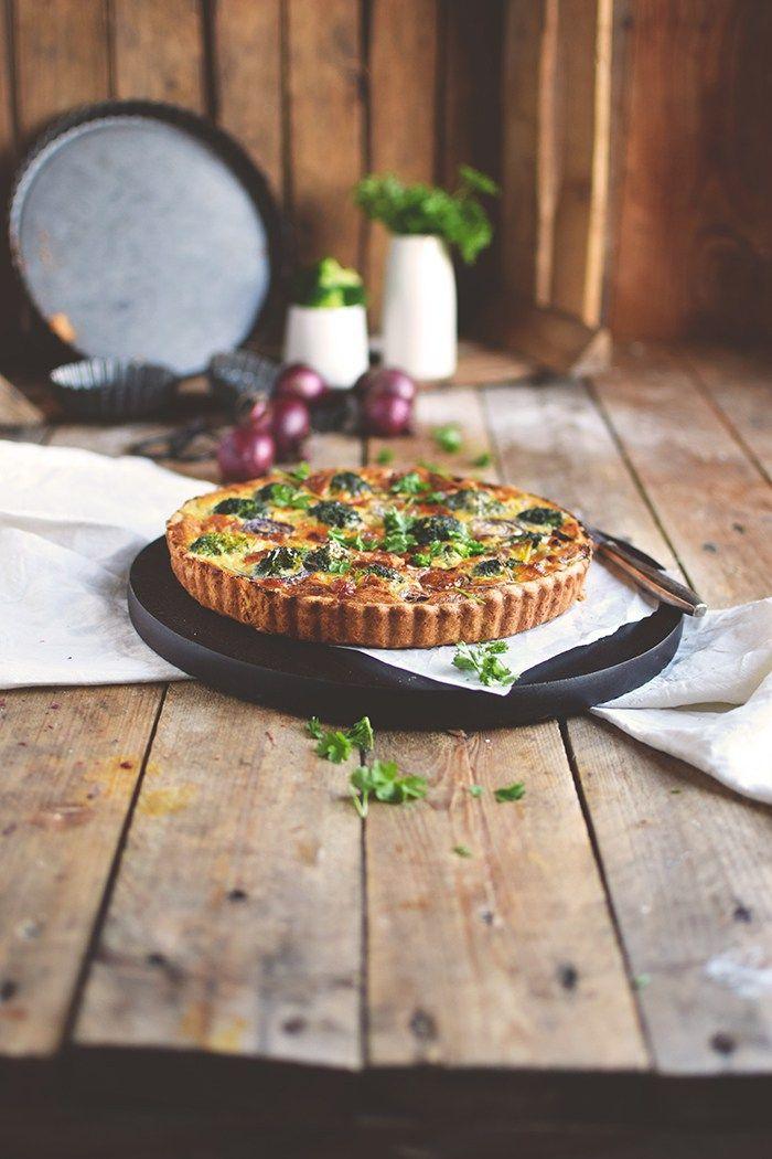 Brokoli Zwiebel Tarte mit Parmesan - Broccoli Onion Tart with Parmesan Cheese   Das Knusperstübchen