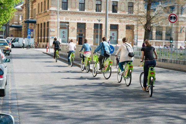 MOL BUBI, bike sharing a Budapest | ph. Népszerűek a MOL Bubi bringák