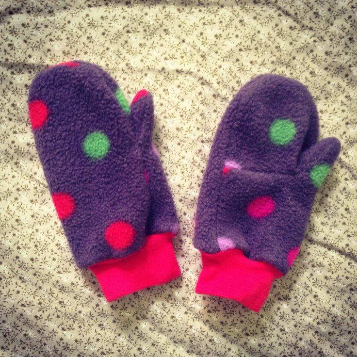 Cozy mittens. Tutorial in link below.