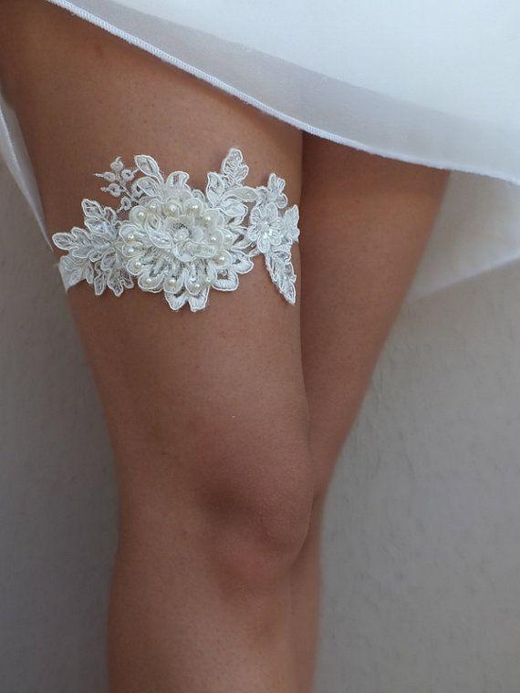 Unique ivory wedding garter  lace  garter  Wedding by ByVIVIENN