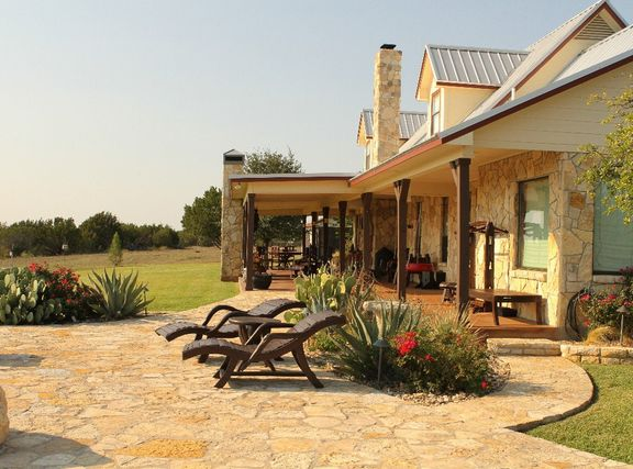 Texas style ranch looks just like my dad 39 s house home for Texas ranch house plans with porches
