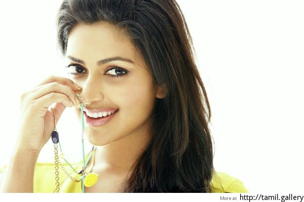Amala Paul takes on a 'sizzling role' in sequel to Thiruttu Payale - http://tamilwire.net/58139-amala-paul-takes-sizzling-role-sequel-thiruttu-payale.html