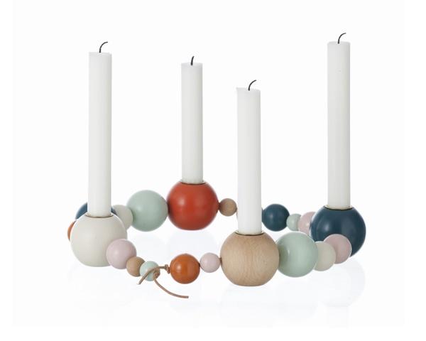 """Kerzenkranz """"Candle on a string"""" von ferm living jetzt erhältlich bei brave flower Kerzenkranz """"Candle on a string"""" - nachhaltige Geschenkideen . authentische Wohnaccessoires . fair schenken . Eco brave flower"""