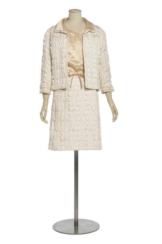 1965 Autumn - Winter collection: Chanel Suit: blistered silk fabric: Centre de documentation des musées - Les Arts Décoratifs