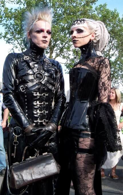 Image from http://www.costume-ideas.com/main/uploads/013_goth_couple_at_wgt_2012_leipzig.jpg.