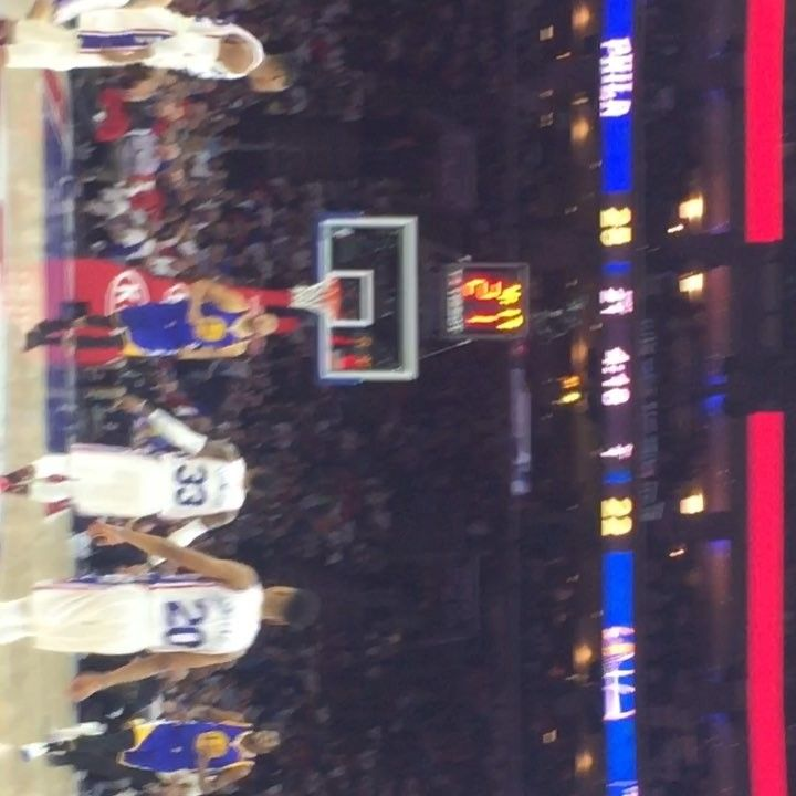 In honor of the Sixers vs. Warriors game tonight here is some footage from last years game. Curry had his worst shooting night of his career shooting 0-11 from the 3 point line! . . #warriors#sixers#ball#basketball#dunk#handles#jelly#kd#sports#debate#vote#pick#baller#ballout#ballislife#gsw#warriors#kd#curry#kingjames#cavs#kobe#jordans#nike#houseofbounce