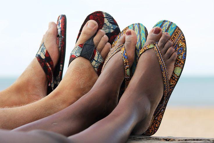 Kleurrijke en eerlijke slippers! Zie www.thamanifashion.nl