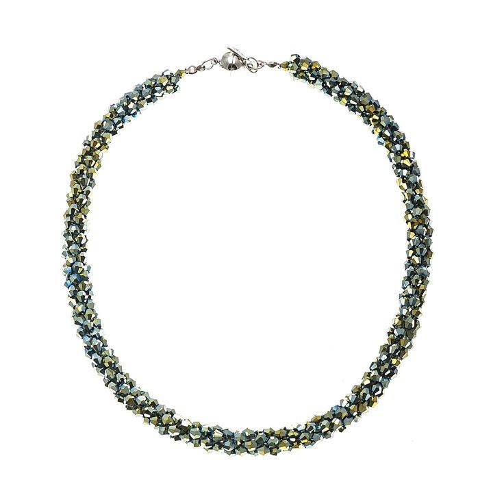 #Necklaces #trend #Accessories #green #woman #fashionwoman #Fashion #beauty #bib #style #diva