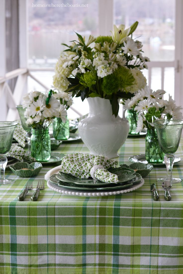 Pulling Out the Green and St. Patrick's Day Table! Homeiswheretheboatis 3/2016