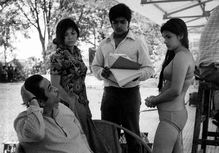 "bollymusings: "" Shooting of ""Bobby"" """