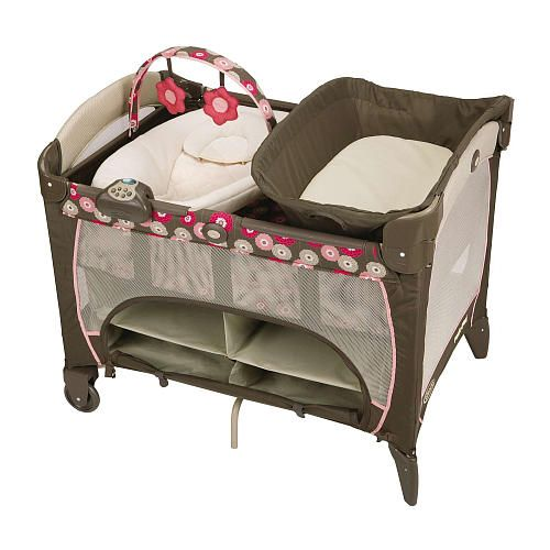 Graco Pack N Play With Newborn Napper Station Dlx Playard