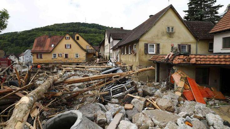 Braunsbach in Baden-Württemberg | Unwetter zerstört ganzes Dorf - Häuser einsturzgefährdet, Straßen überflutet, Menschen evakuiert - Seit 7 Uhr wird die Soforthilfe in Höhe von 1500 Euro ausbezahlt - News Inland - Bild.de