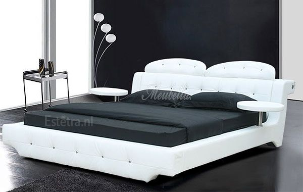 Mooie bed voor in de slaapkamer!