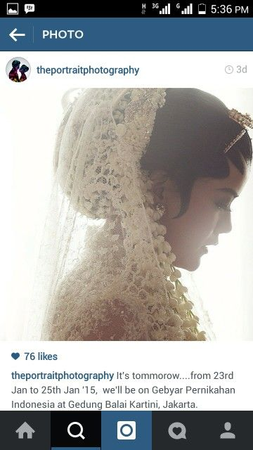 Never get bored seeing this traditional javanese bride