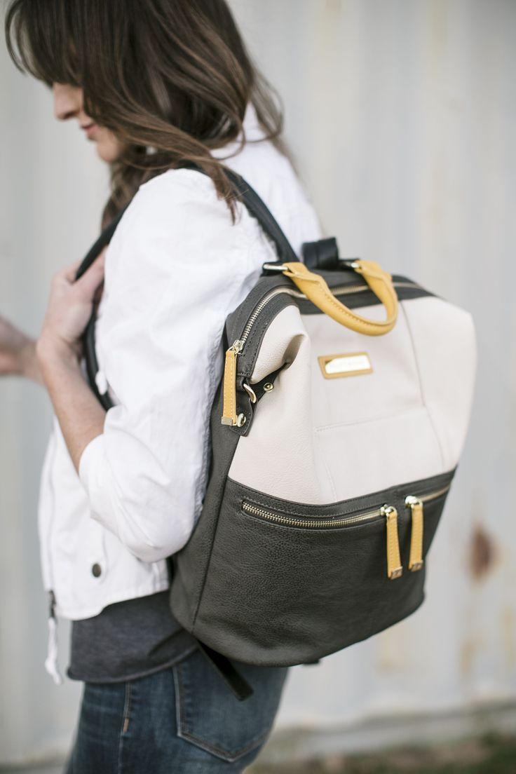 Kelly Moore Bag Woodstock Camera Backpack (Bone Colorblock)