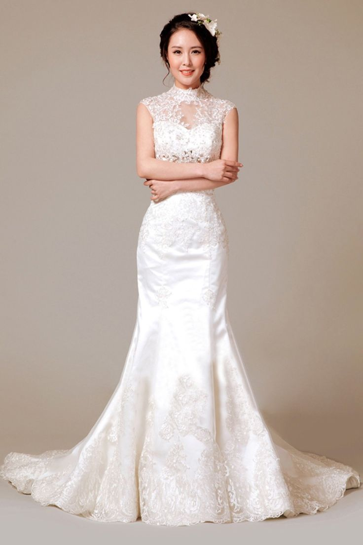 This elegant wedding dress is perfect for the budget-conscious bride. Dress under $300.