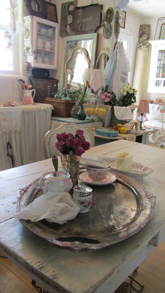 ❥ victorian shabby by Vintagewhitecottage #Home #French #Decor www.IrvineHomeBlog.com/HomeDecor/ ༺༺ ❤ ℭƘ ༻༻