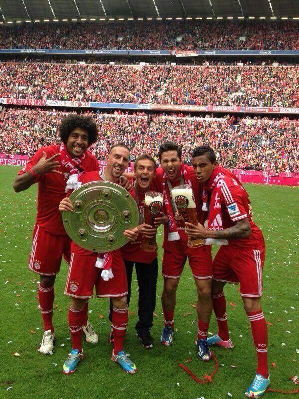 Fc Bayern München ist Meister 2013.
