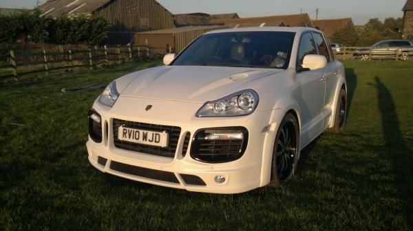 MEDUZA Ltd - Porsche Cayenne 2010 Meduza Aerodynamic Bodykit Fitted and Painted, £4,995.00 (http://www.meduza.co.uk/porsche-cayenne-2010-meduza-aerodynamic-bodykit-fitted-and-painted/)