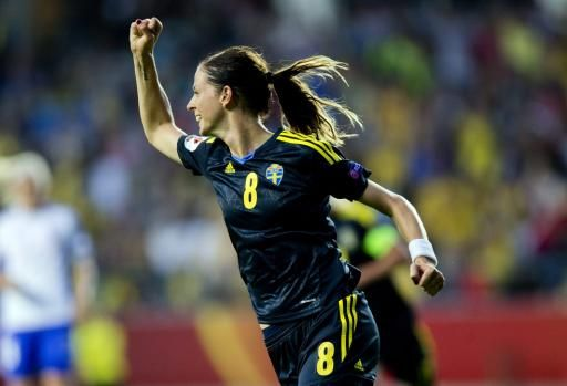 FOOTBALL -  Euro dames: la Sude remet les pendules  l'heure - http://lefootball.fr/euro-dames-la-sude-remet-les-pendules-lheure/