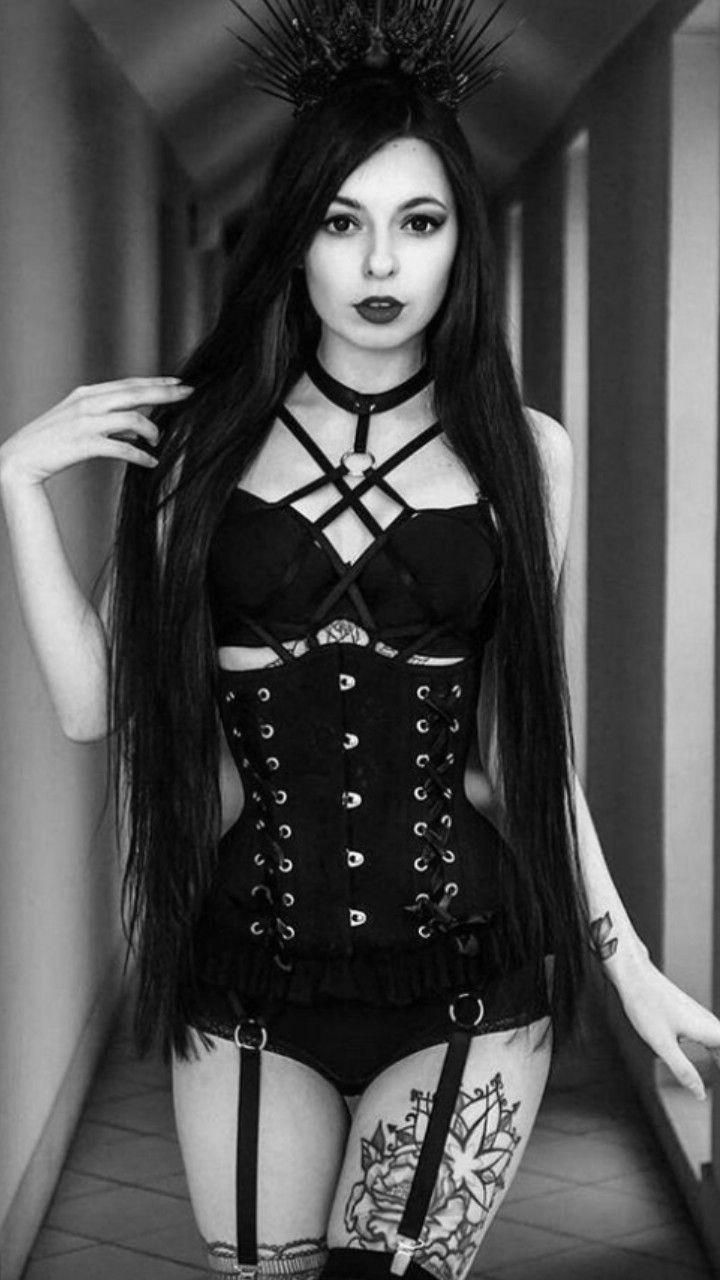 Sexy Goth Girl's Are Smokin Hot