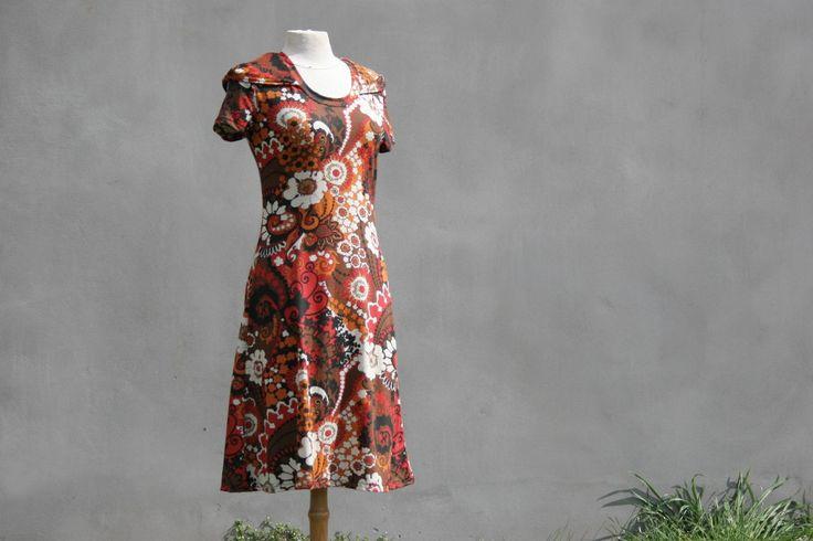 Hooded jurk bruin bloem korte mouwen jurk Size M door SolmodeDesign